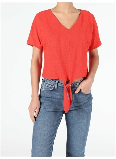 Colin's CL1051372_Q1.V1_RED Regular Fit V Yaka Örme Kadın Kırmızı Kısa Kol Tişört Kırmızı